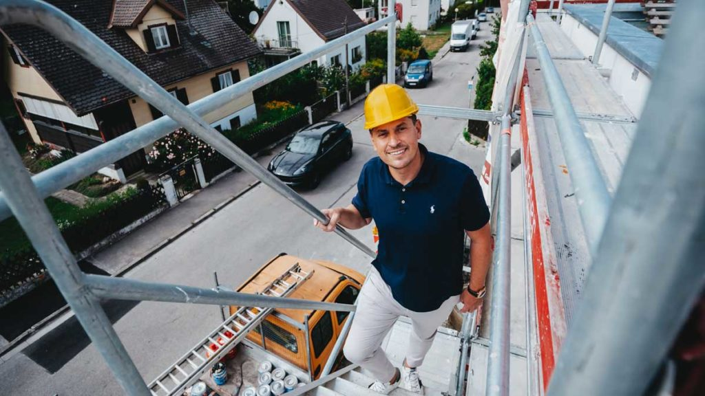 Maximilian Wolf auf der Baustelle