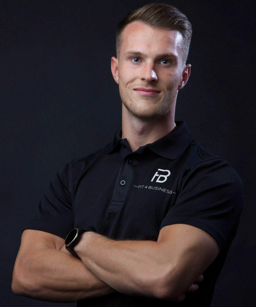 Stefan Cerny ist der Gründer von Fit4business
