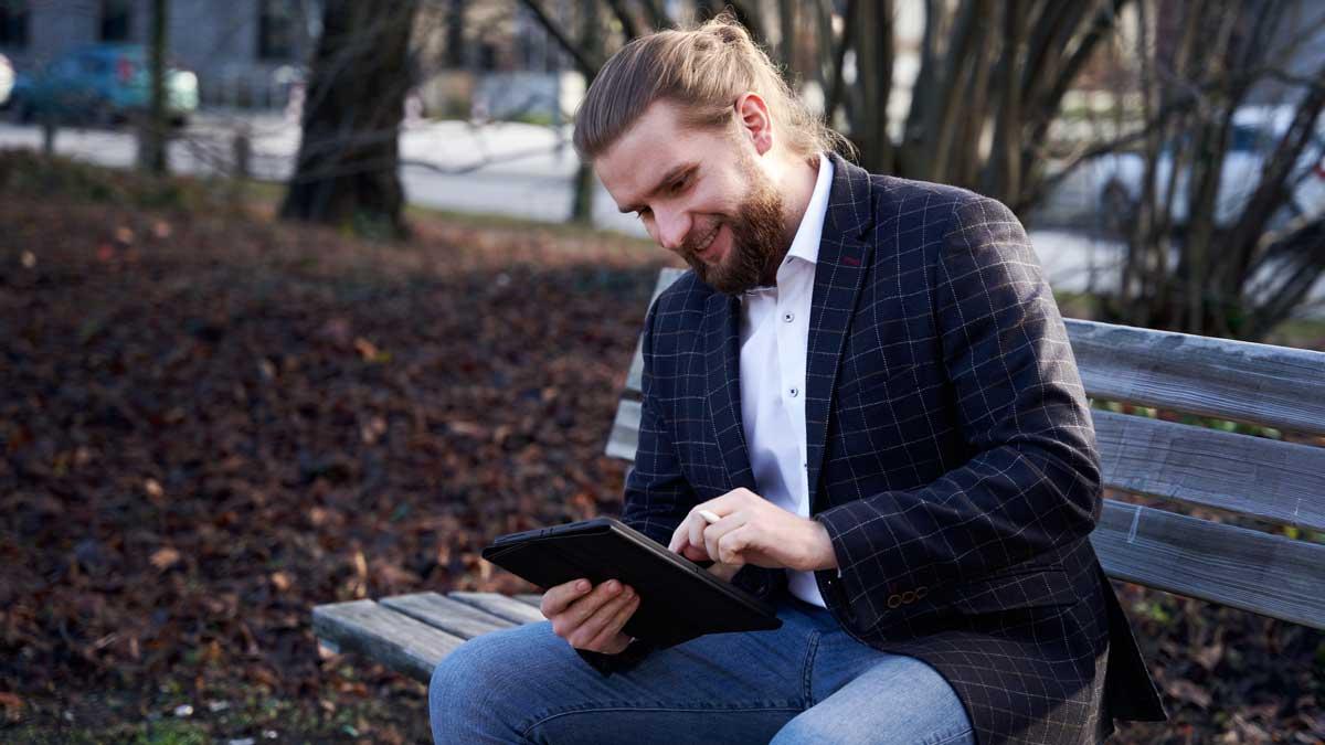 Julian Salz ist Mitgründer der Onlinemarketing Agentur SALTYBRANDS