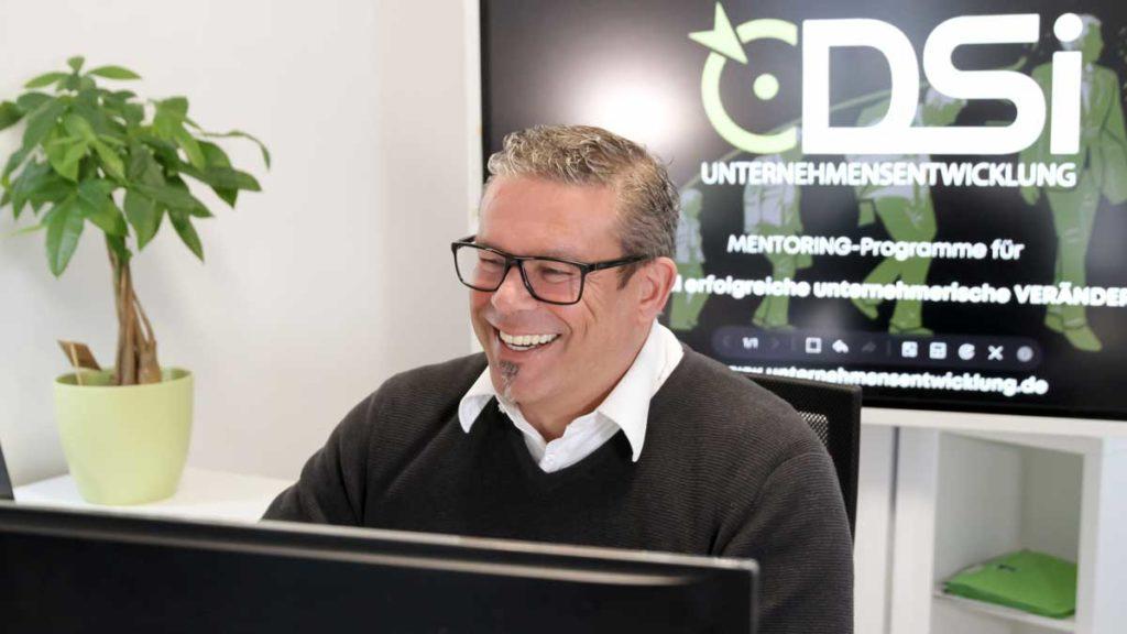 Dirk Sistenich ist überzeugt von der Wirkung interner Unternehmensentwickler