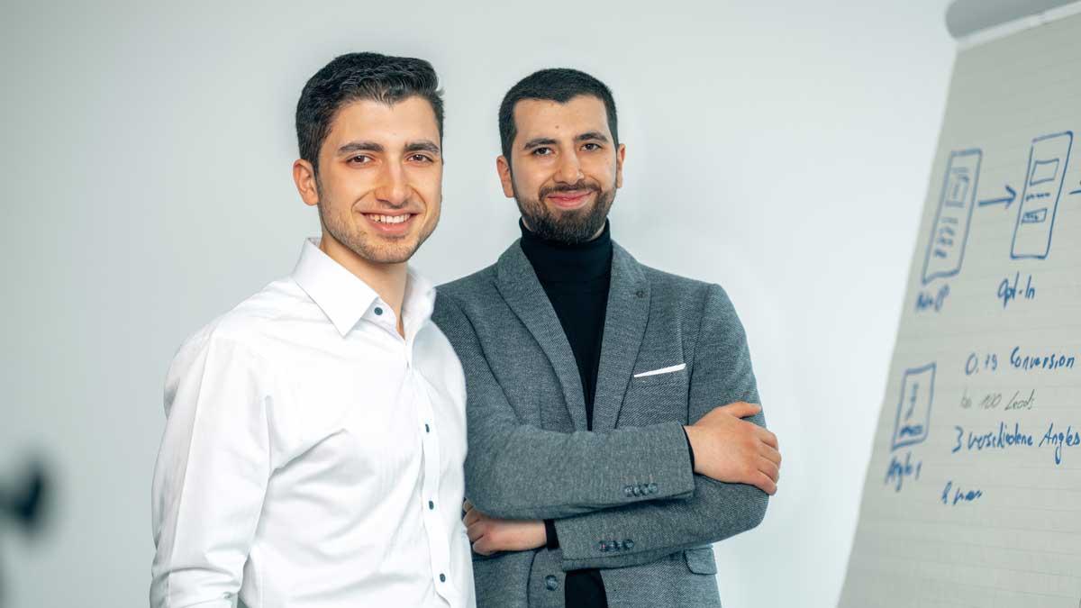 Mohammed und Firas Khalil helfen Maklern in puncto Online-Aktivität