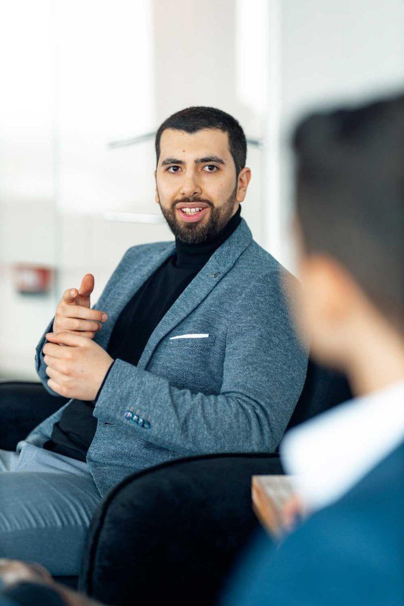 Mohammed Khalil weiß, wie man auf Knopfdruck neue Kunden und Objekte für den Verkauf erhält