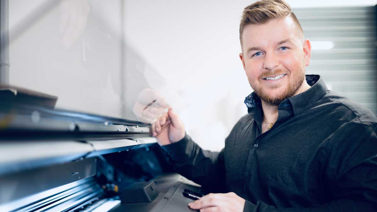 Simon Schläpfer von carfoil Academy