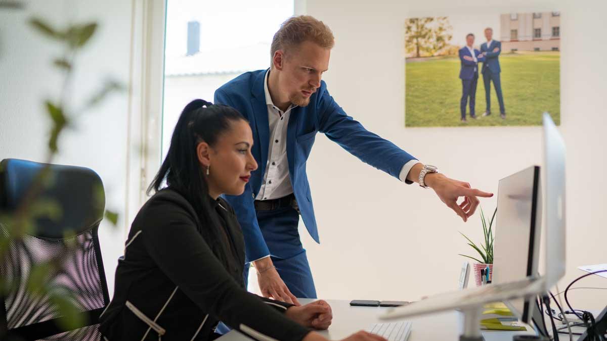 Marius Schuler hilft Finanzdienstleistern, mit effektivem Marketing zu neuen Kunden zu gelangen